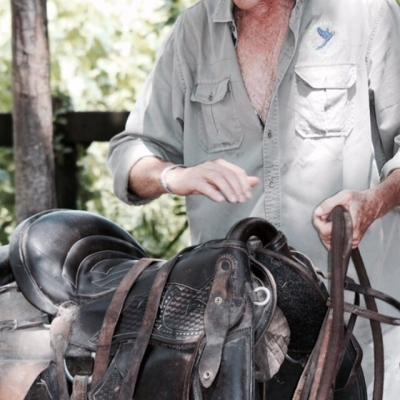 Guias experientes e todo o material necessário para os passeios a cavalo